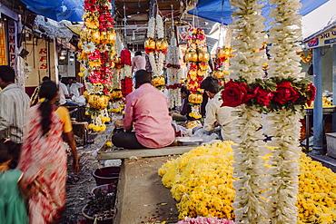 Devaraja flower market, Mysore, Karnataka, India, Asia