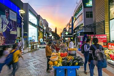 Busy Brigade Road shopping street, Bangalore (Bangaluru), capital of the state of Karnataka, India, Asia
