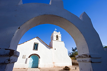 Iglesia San Pedro, colonial adobe walled church dating from the 17th century, San Pedro de Atacama, Atacama Desert, Norte Grande, Chile, South America