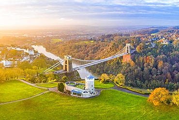 Clifton Suspension Bridge spanning the River Avon and linking Clifton and Leigh Woods, Bristol, England, United Kingdom, Europe