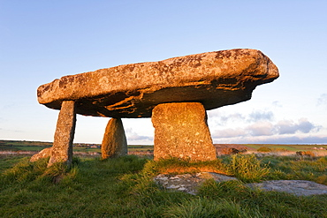 Lanyon Quoit burial chamber, Madron, near Penzance, Lands End, Cornwall, England, United Kingdom, Europe
