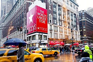 Macy's flagship store on Sixth Avenue, Manhattan, New York City, New York, United States of America, North America