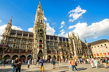New Town Hall on the Marienplatz (Mary's Square), Munich, Bavaria, Germany, Europe