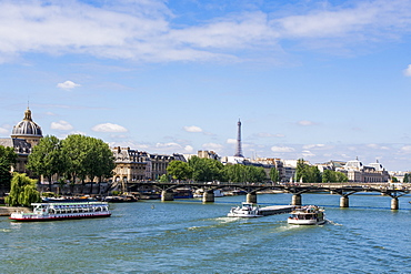 Pont Neuf Bridge over the River Seine with the Eiffel Tower behind, Paris, France, Europe