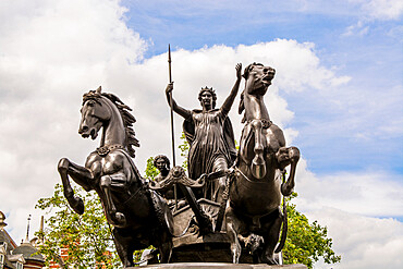 Boadicea and Her Daughters statue, London, England, United Kingdom, Europe