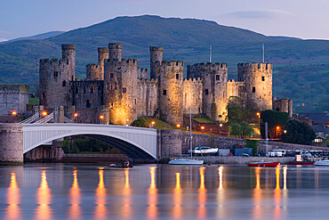 Majestic ruins of Conwy Castle in evening light, Snowdonia National Park, Wales, UK. Spring (May) 2017.