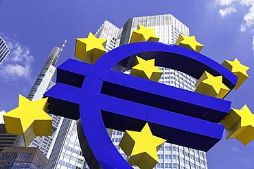 Euro sign in Willy Brandt Platz, Frankfurt, Hesse, Germany, Europe