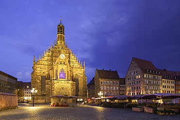 Frauenkirche in Main Market Square at dusk, Nuremberg, Bavaria, Germany, Europe