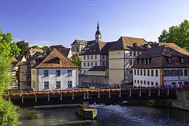 Buildings along River Regnitz, Bamberg, UNESCO World Heritage Site, Bavaria, Germany, Europe