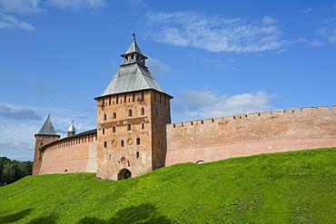 Kremlin Wall with Towers, UNESCO World Heritage Site, Veliky Novgorod, Novgorod Oblast, Russia, Europe