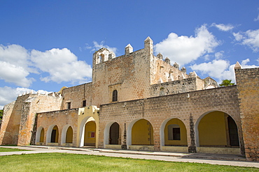Convent de San Bernadino de Siena, built 1552-1560, Valladolid, Yucatan, Mexico, North America
