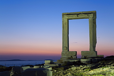 Evening, Temple of Apollo (Portara), Hora (Chora), Naxos Island, Cyclades Group, Greek Islands, Greece, Europe