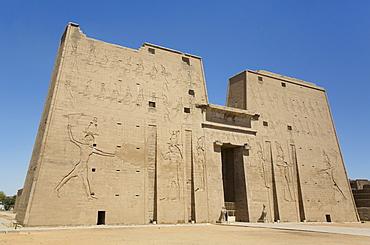 First Pylon, Temple of Horus, Edfu, Egypt, North Africa, Africa