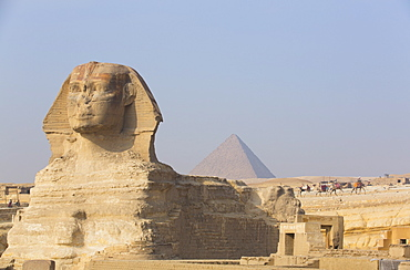 The Great Sphinx of Giza, Pyramid of Mycerinus in the background, UNESCO World Heritage Site, Giza, Egypt, North Africa, Africa