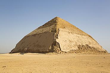 Bent Pyramid, UNESCO World Heritiage Site, Dahshour, Egypt, North Africa, Africa