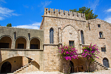 Hospice of the Knights Hospitaller, Square of the Hebrew Martyrs, Rhodes Old Town, UNESCO World Heritage Site, Rhodes, Dodecanese Island Group, Greek Islands, Greece, Europe