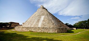 The Pyramid of the Magician, Uxmal, UNESCO World Heritage Site, Yucatan, Mexico, North America - 804-422