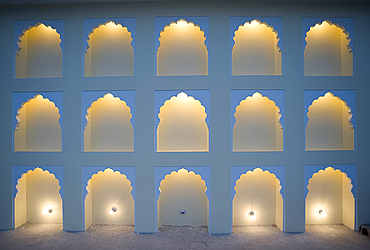Wall with arches lit, one light bulb missing, Jaipur, Rajasthan, India, Asia