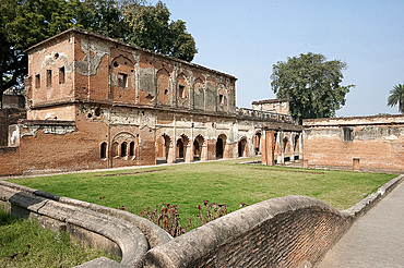 Lucknow Residency 18th century main building maintained as it was after the 1857 Seige with cannon shot marks, Lucknow, Uttar Pradesh, India, Asia