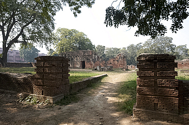 Derelict soldiers' quarters in the Lucknow Residency, refuge for 3000 British inhabitants during the Seige in 1857, Lucknow, Uttar Pradesh, India, Asia