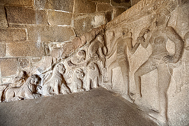 Part of the beautiful 7th century bas relief sculpture in the Krishna cave temple, Mahaballipuram, UNESCO World Heritage Site, Tamil Nadu, India, Asia