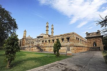 Jami Masjid, Champaner, built in 1513 taking 25 years to construct, part of UNESCO World Heritage Site, Champaner, Gujarat, India, Asia