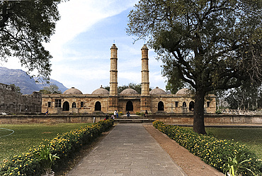 The 16th century Sahar ki Masjid, built near the royal palace for exclusive use of the sultans, Champaner, Gujarat, India, Asia