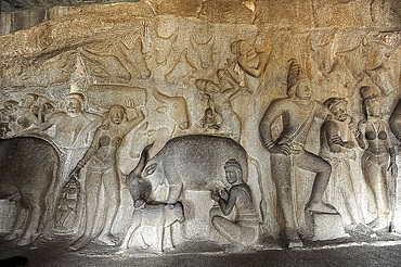 Part of beautiful 7th century rock carved in the Varaha Cave temple, depicting Hindu Lord Vishnu, Mahaballipuram, UNESCO World Heritage Site, Tamil Nadu, India, Asia