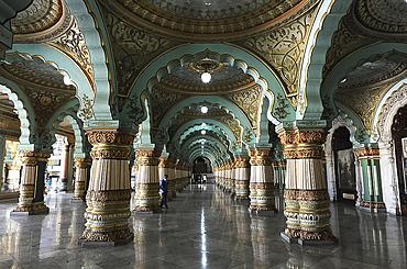 Durbar hall with sculpted pillars inside Mysore Palace, constructed between 1897 and 1912, Mysore, Karnataka, India, Asia