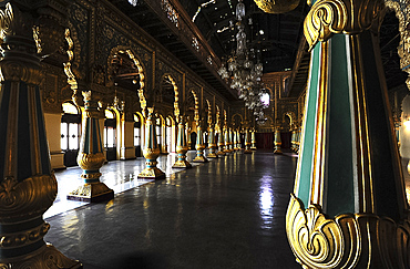 Pillared Durbar hall inside Mysore Palace, seat of the Mysore kingdom, constructed between 1897 and 1912, Mysore, Karnataka, India, Asia