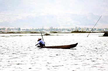 Fisherman on Loktak Lake, the largest freshwater lake in NE India, Moirang, Manipur, India, Asia