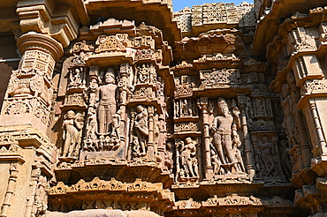 Wall of ornately carved Modhera Sun temple, built in 1026 by Bhima of Chaulukya dynasty, Modhera, Mehsana, Gujarat, India, Asia