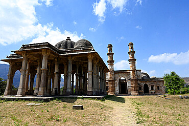 View past pillared Kevada Masjid to Nagina Masjid (Jewel Mosque), UNESCO World Heritage Site, Champaner, Gujarat, India, Asia