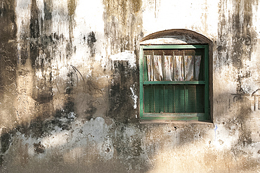 Dappled sunlight on college building wall and window, Serampore, West Bengal, India, Asia