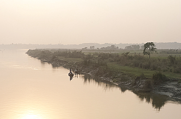 Early morning light at sunrise on the River Hugli (River Hooghly), rural West Bengal, India, Asia