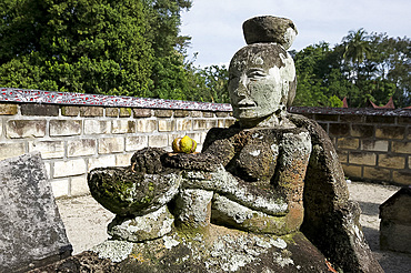 Stone tomb of Anting Malela Boru Sinaga, bowl on her head as a sign of her betrothal to the King, Tomuk, Samosir Island, Sumatra, Indonesia, Southeast Asia, Asia