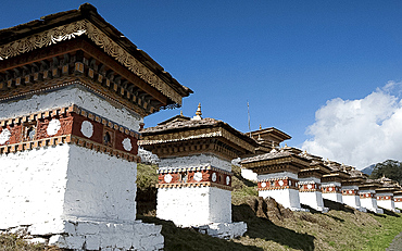 Druk Wangyal Chortens, 108 chortens commissioned by the Queen Mother in memory of Bhutanese soldiers lost in the 2003 war, Bhutan, Asia
