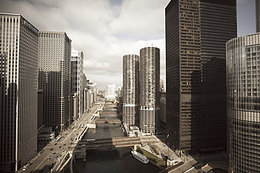 Skyscrapers along the Chicago River, Chicago, Illinois, United States of America, North America