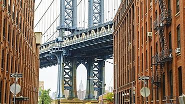 Manhattan Bridge detail, New York, United States of America, North America