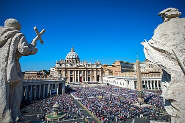 A general view of St. Peter's Square and St. Peter's Basilica during a Mass marking the Jubilee for Catechists, UNESCO World Heritage Site, Vatican, Rome, Lazio, Italy, Europe