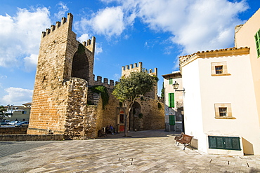 Gate of the city walls in Alcudia, Mallorca, Balearic Islands, Spain, Mediterranean, Europe