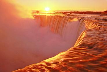 Canadian Falls (Horseshoe Falls) at sunrise, Niagara Falls, Ontario, Canada, North America