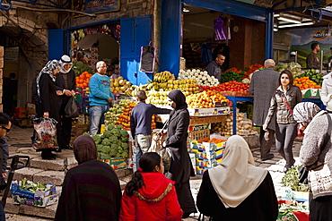 Open air fruit and vegetable market, Arab Quarter (Muslim Quarter), Jerusalem, Israel, Middle East