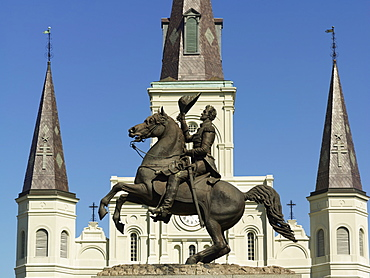 Equestrian statue of Andrew Jackson in front of St. Louis Cathedral, Jackson Square, French Quarter, New Orleans, Louisiana, United States of America, North America
