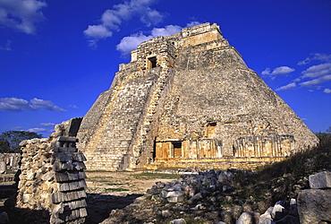 Gran Piramide (Grand Pyramid) and Temple Mayor, Uxmal, UNESCO World Heritage Site, Yucatan, Mexico, North America
