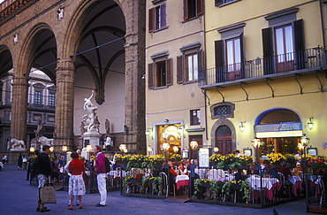 Piazza della Signoria, restaurants and cafes with tourists, Florence, Tuscany, Italy, Europe