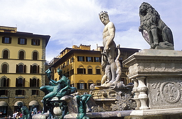 Neptune Fountain completed by Ammanati in 1575, Piazza della Signoria, Florence, UNESCO World Heritage Site, Tuscany, Italy, Europe