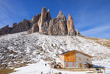 Lavaredo refuge on the trail around Tre Cime di Lavaredo, Auronzo, Belluno, Veneto, Dolomites, Italy, Europe
