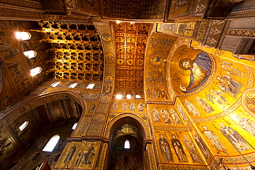 Interior, Santa Maria Nuova Cathedral, Monreale, Palermo, Sicily, Italy, Europe