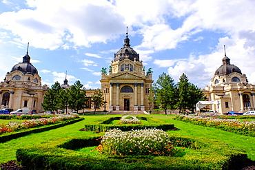 Szechenyi Thermal Bath, Budapest, Hungary, Europe